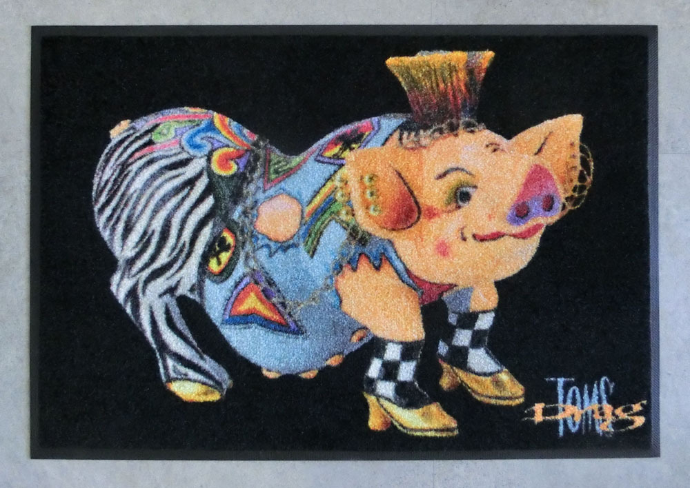 "Floormat Pig ""Vivienne"" - Tom's Drag"